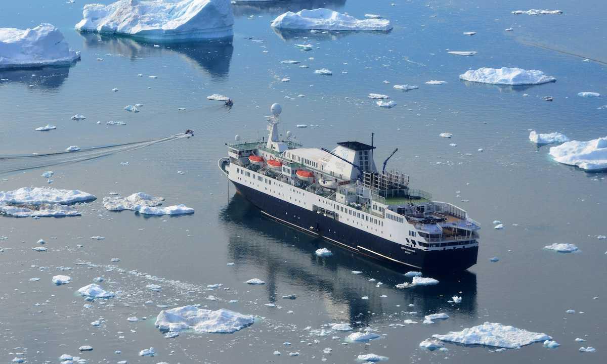 AC_3_MikeBeedell_RTD_Into-Northwest-Passage-Ilulissat_Ocean-Endeavour-e