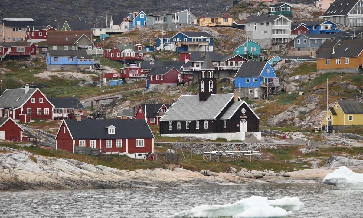 PON_3_PON_RTD_village-Greenland