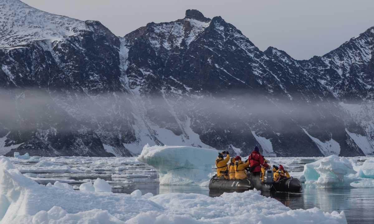 QUA_3_QUA_RTD_zodiac-mist-icebergs