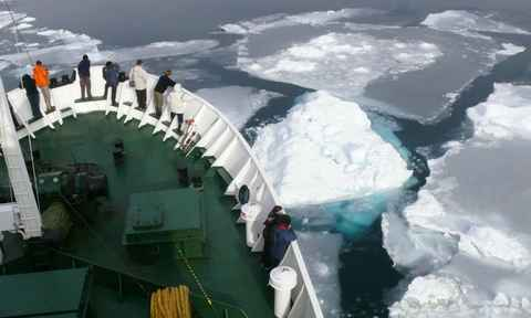 Greenland Ships
