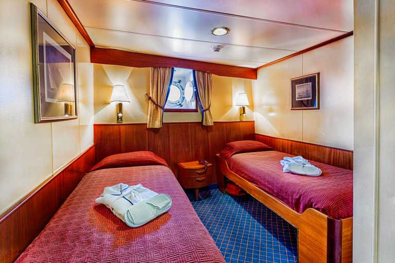 QUA_3_QUA_RTD_Cabin-103-Lower-Deck_Ocean-Adventurer