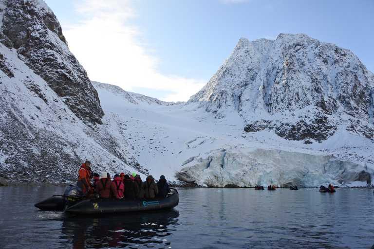 SWO_3_Lauren_Amos_ALL_Svalbard_Zodiac-e