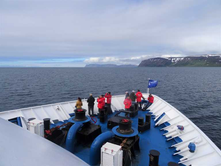 SW_3_John-Newby_ALL_Ship-bow-observation-Svalbard-e