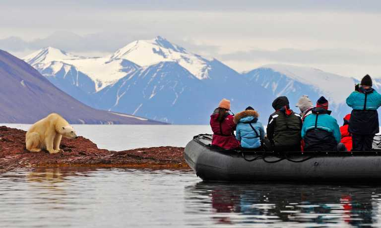 Discover the Svalbard Archipelago
