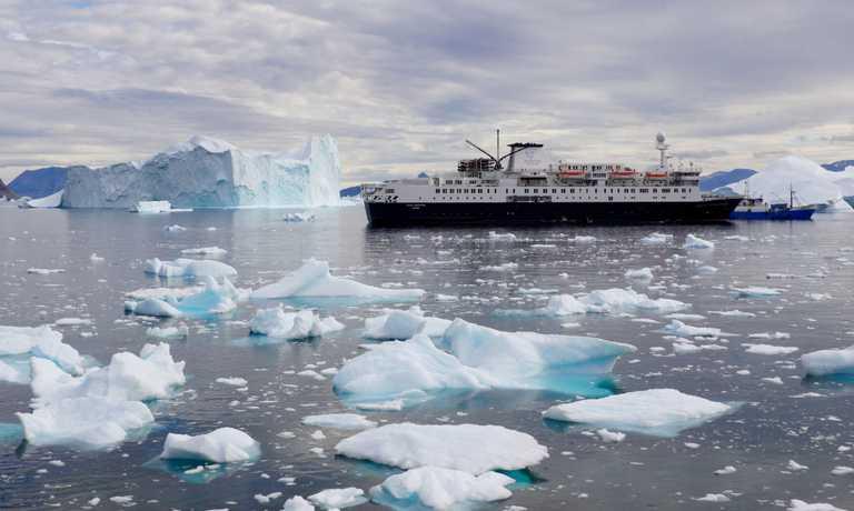 Ship-Ocean-Endeavour