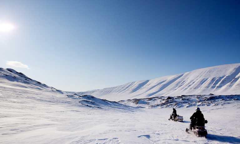 shu_3_shu_rdt_snowmobileaction